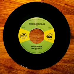 DERRICK MORGAN / There Stand The Glass -DENNIS ALCAPONE / Version Stand Alone - 7""